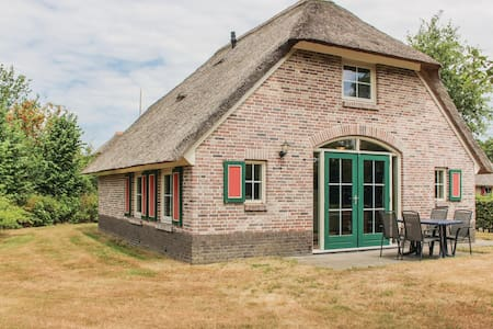 Holiday cottage with 3 bedrooms on 80m² in Den Ham