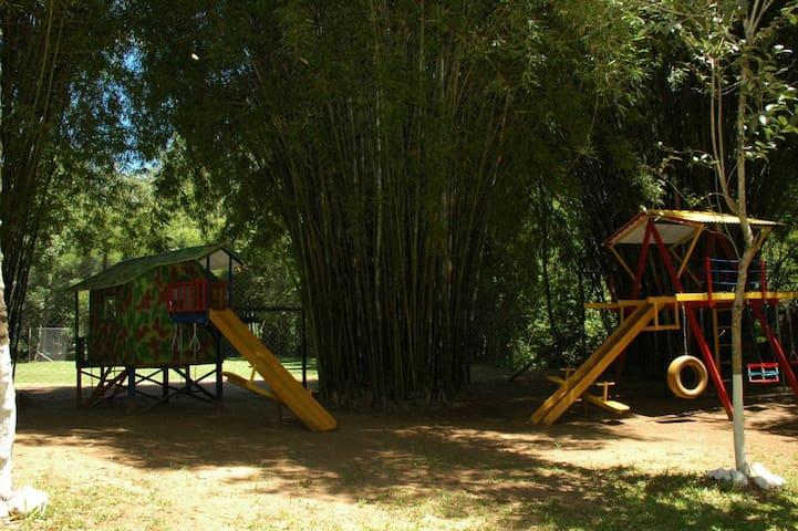 CASA DE CAMPO FAMÍLIA PEZZI