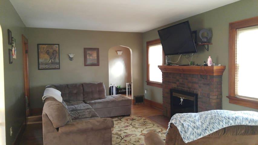 Charming 2 bedroom house - Fort Wayne - Casa