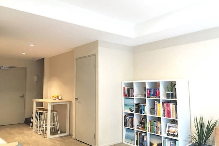 Private Room in East Melbourne - East Melbourne - Apartment