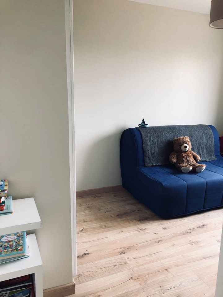 Chambre privée dans maison au calme