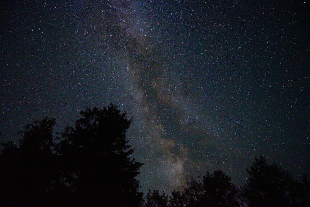 Tge Milkyway really does look this incredible! Dark Sky!  photo courtesy of Jaeho Ho