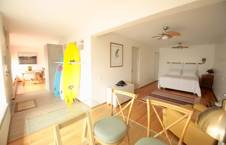 Luxury OneBedroom Apartment infront señoritas Wave - Punta Hermosa