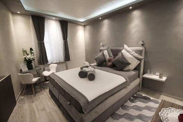 Alessio Premium Rooms - King Room 4