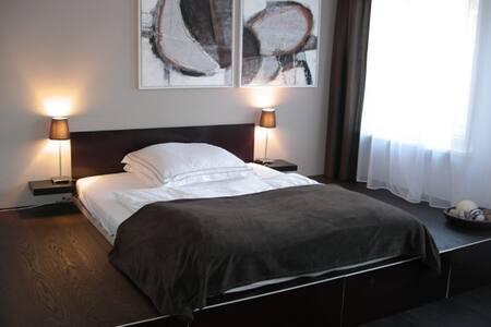 Schönes ruhiges Apartment in Münchens Bestlage! - Munich