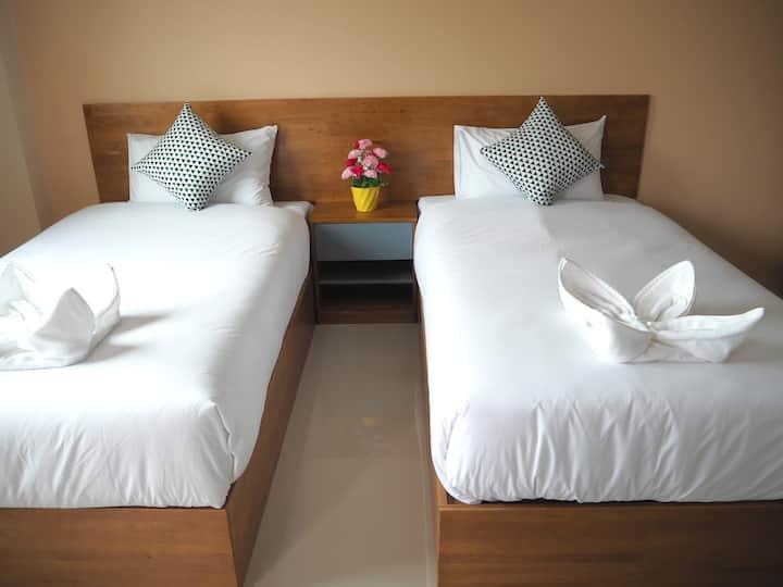 Regent Room Twin (2)