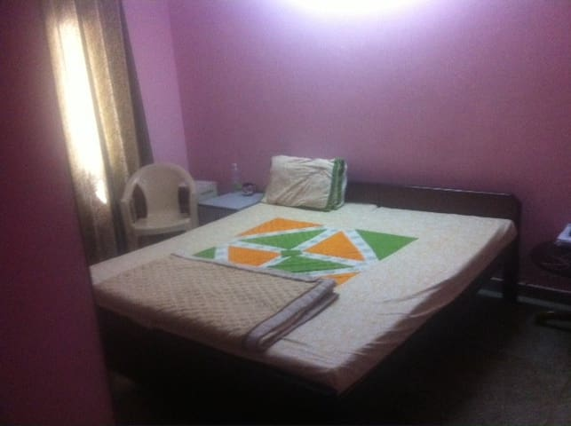 Private AC Double bed Room - Haryana - Apartamento
