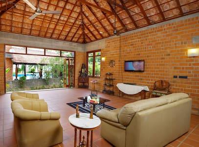 Vinca Lake House - Kumarakom