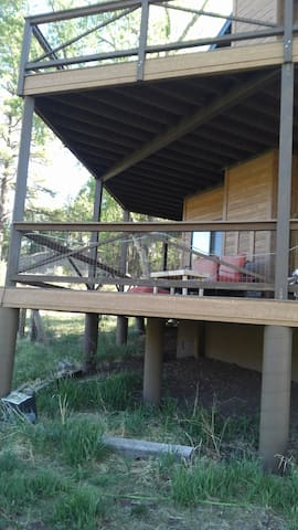 Beautiful 2 story Cabin