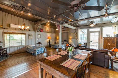 The Carriage House @ GratiDude Ranch, Leipers Fork