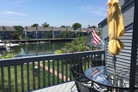 Spectacular waterfront condo on Long Island Sound - Norwalk - Condomínio