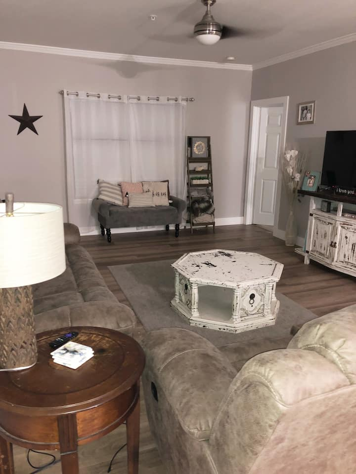Lafayette Home with great amenities