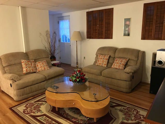 Private Entire Floor in 10 min away from PSU