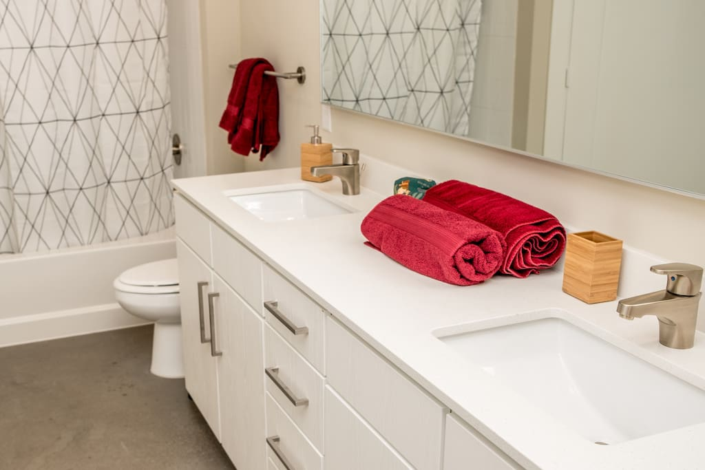 All your toiletry needs are included. I love using 100% Wamsutta cotton towels straight after a steamy shower.