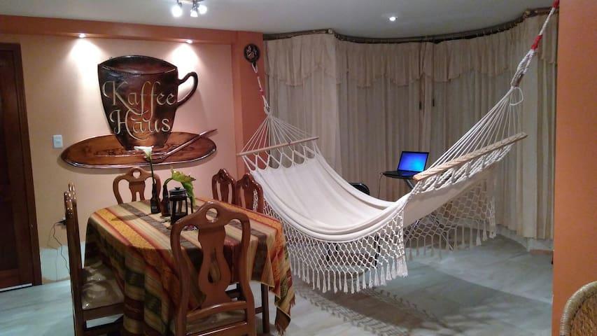 CAFFE HAUS - Riobamba - House