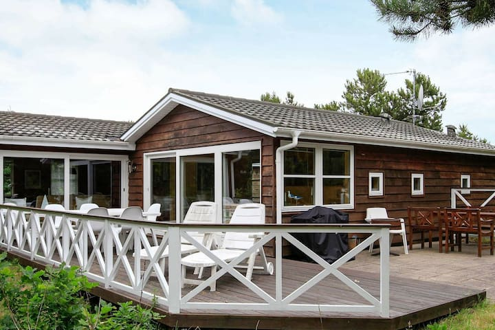 Rustic Holiday Home in Logstor Near Beach