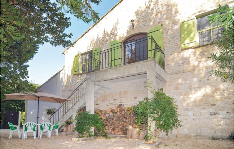 Holiday apartment with 2 bedrooms on 70 m² in Le Sambuc