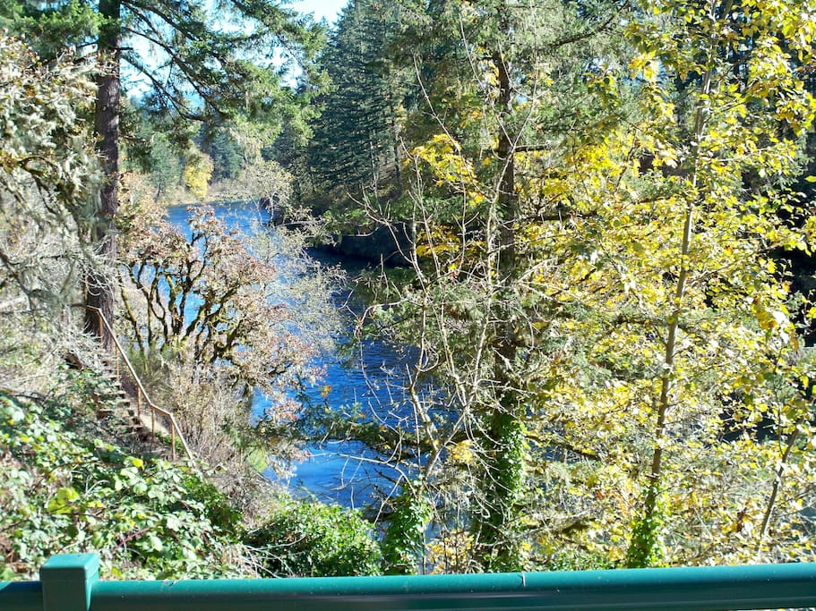 Upriver View-Upper Deck