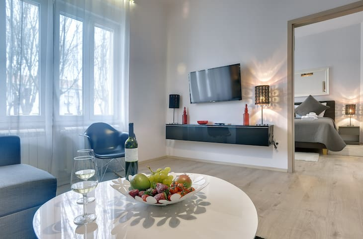 D&A City Center One Bedroom Apartment