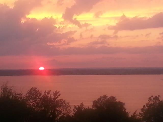 Prince Edward County Sunsets!! - Ameliasburgh - Ház