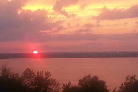 Prince Edward County Sunsets!! - Ameliasburgh - 단독주택