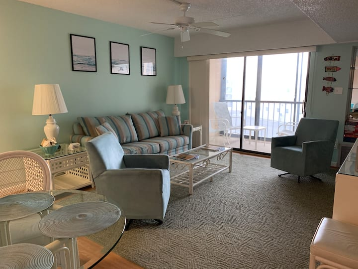 Entire Condo OCEANside!
