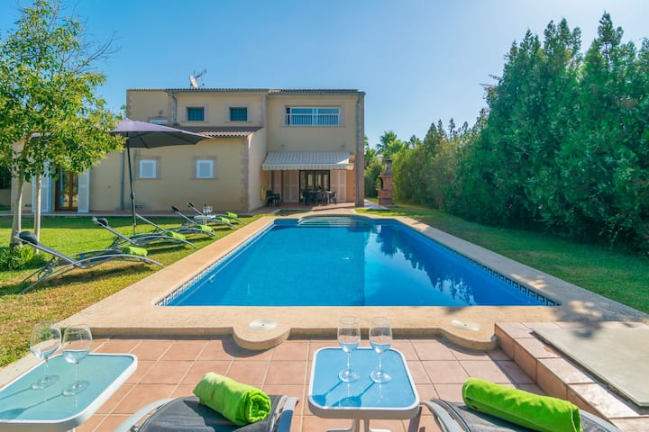 XIMO - Beautiful chalet with private pool in residential area. Free WiFi