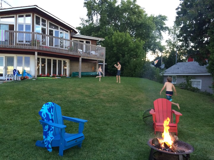 The Cedardale @ #BalsamLake with guest cottage