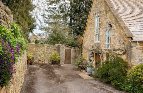 Courtyard House, Blockley