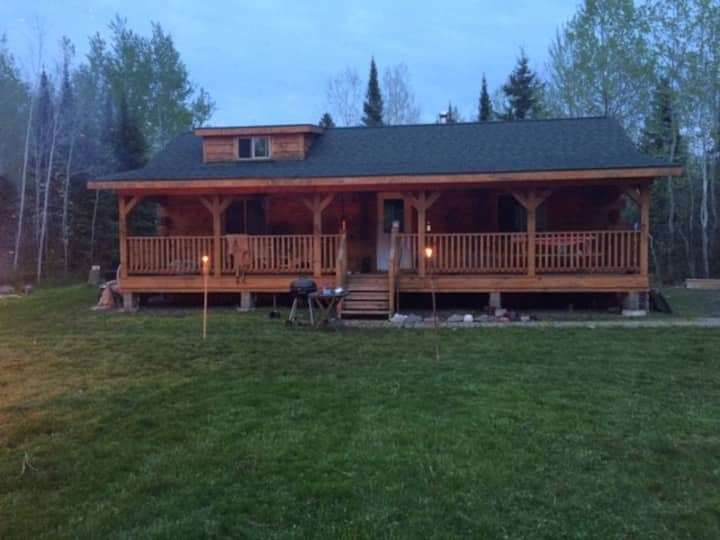 Kelly's Cabin, rustic off grid log cabin