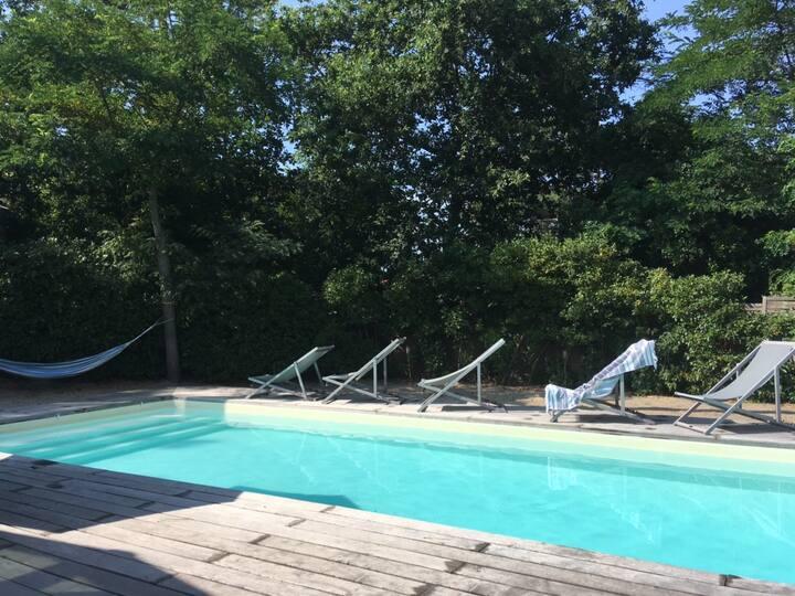 villa avec piscine chauffée  proche plage et dune