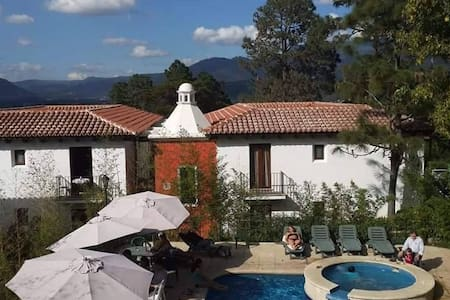 Relaxing Stay near Colonial Antigua Guatemala