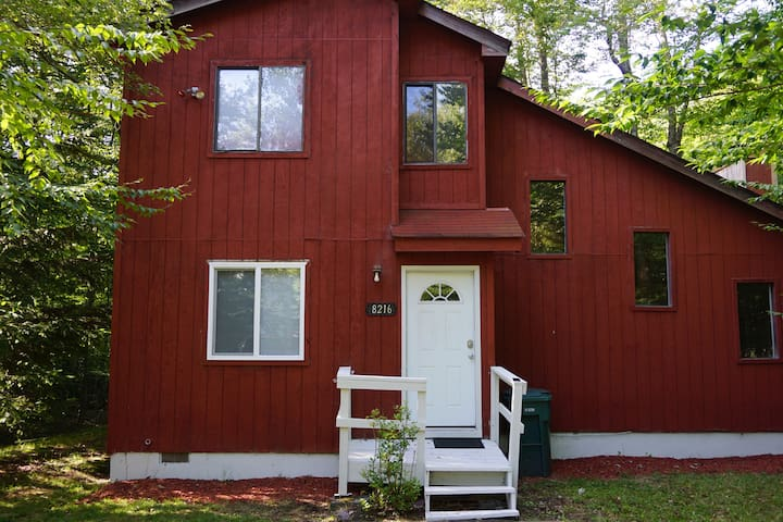 Beautiful 2 bedroom Home in Heart of the Poconos