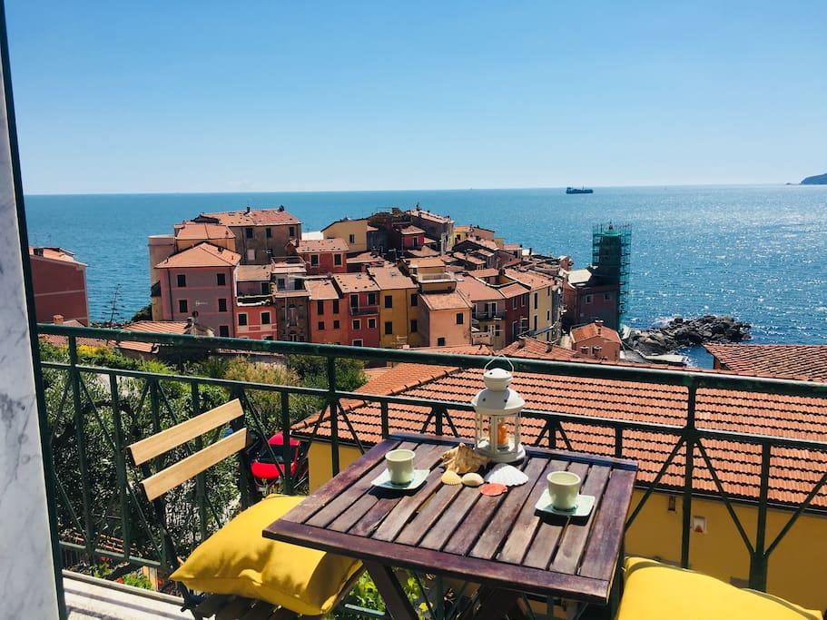 Balcone vista mare / Sea view balcony