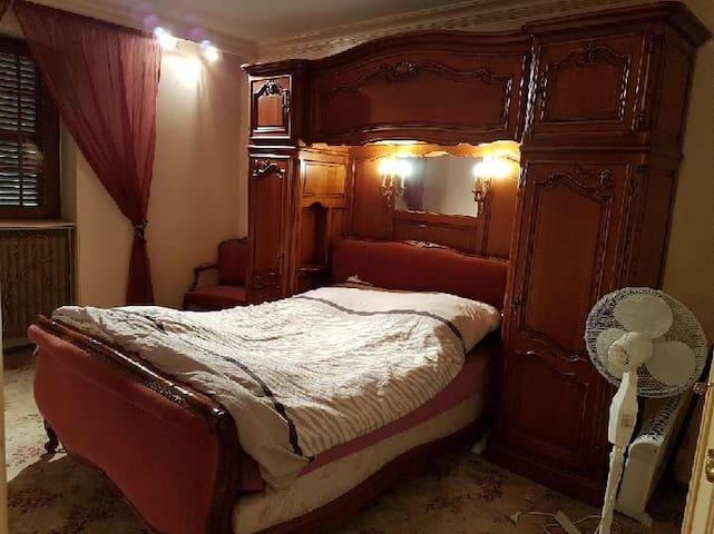 Apartement luxueux privé meublé chauffé éclairé