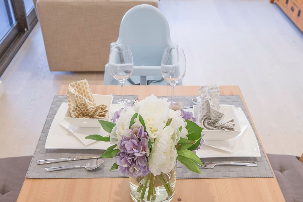 Dinning Table and Highchair