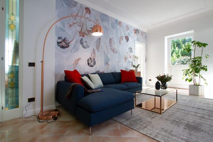 Antica magnolia -vista esclusiva-giardino privato