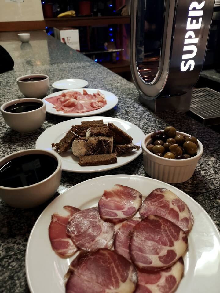 Authentic PORTO dishes with wines