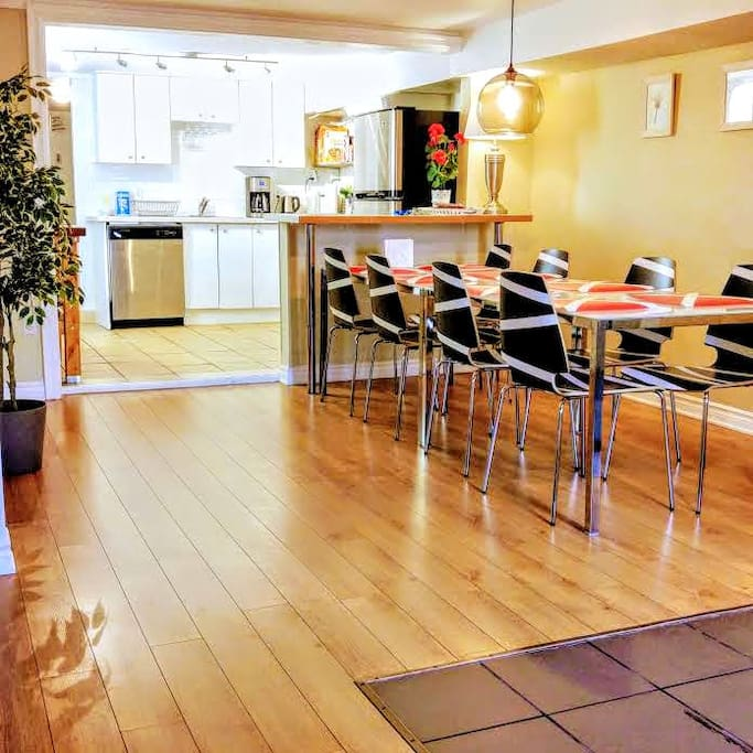 """Great location . The place is quiet, clean, airy, bright and well equipped. Very nice kitchen. It appears recently renovated. We really enjoyed our stay and had a lot of fun."" Sharon - Littleton, Massachusetts"