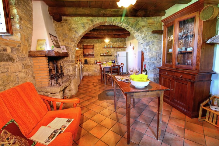 Lavish Farmhouse in Ortignano with Swimming Pool