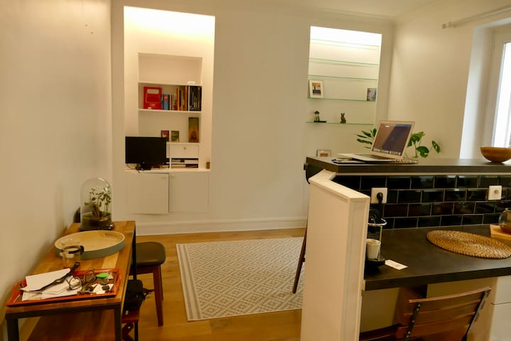 Renovated Sunny 50m2 Apartment in Levallois
