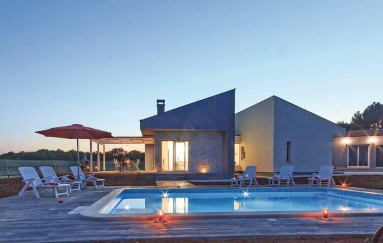 Relax House Harmony - Loborika - House
