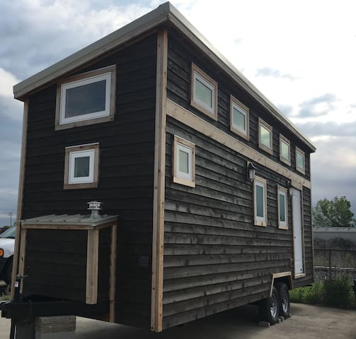 Tiny Home Fort Worth - Downtown/W 7th/Magnolia
