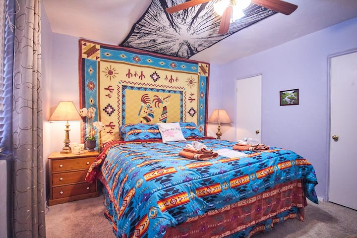 Room with Cozy King Bed - West Sedona