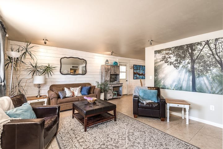 The Hope House (3 beds/2 baths, 1284 SF, 119 SM)