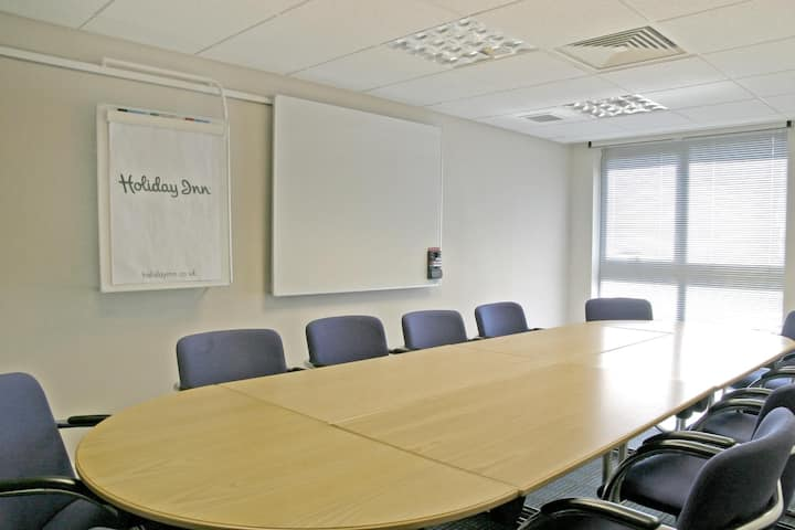 Essential and Business Travel Only: Attractive Double Executive At Fareham