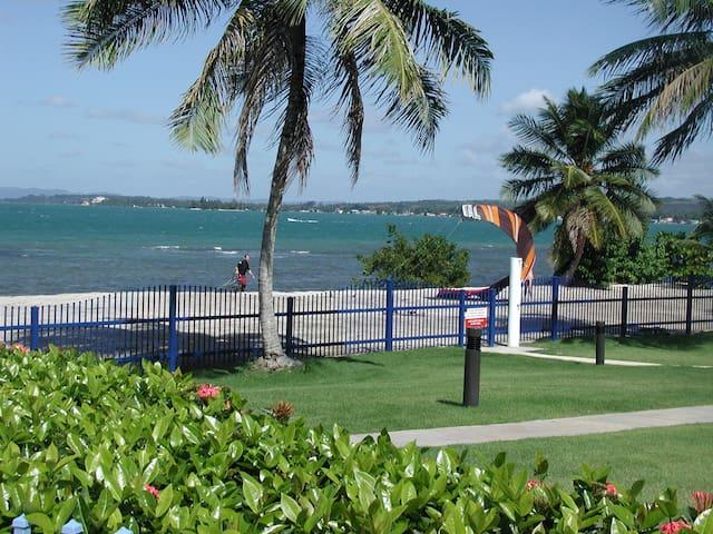 2Bed/bath Beachfront condo next to golf course