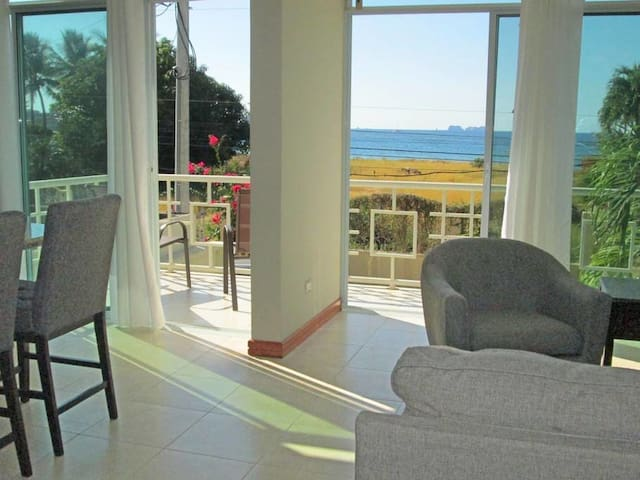 Suenos del Mar #4, beach 100 ft away, ocean view! - Potrero - Apartment