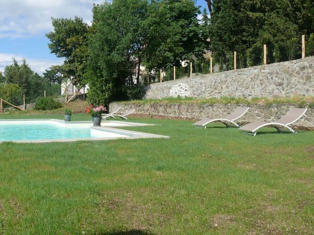 villa degli ulivi appartamento con piscina