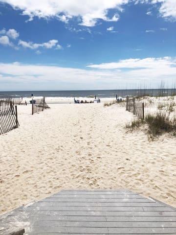 Beachside Getaway in Gulf Shores